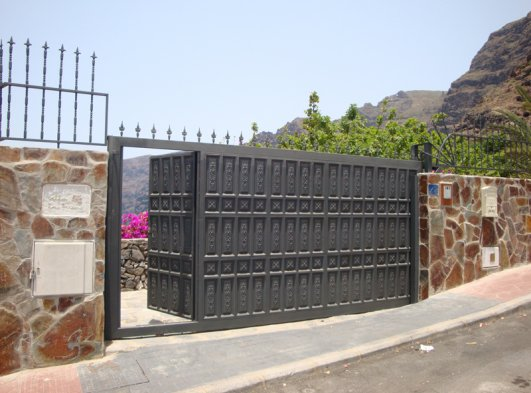 The entrance to Las Brisas